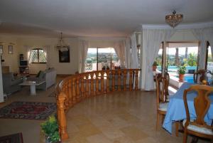 Villa Boutique Rentals - Algarve, Villen  Almancil - big - 30