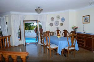 Villa Boutique Rentals - Algarve, Villen  Almancil - big - 32