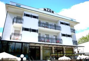 Hotel Lux, Hotel  Cesenatico - big - 79