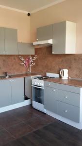 Alie Parusa Guest House, Guest houses  Adler - big - 36