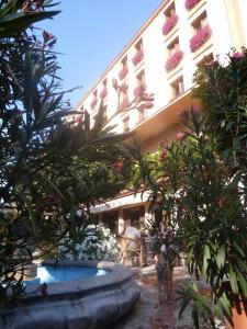 Hotel Centrál Šala
