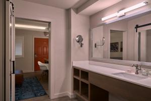 Fredericksburg Inn and Suites, Hotely  Fredericksburg - big - 15