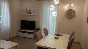 Garden Place Apartment