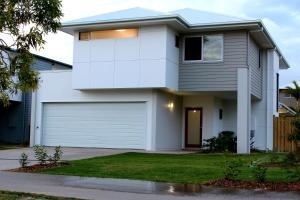 Petrie Beach Holiday Home