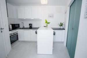 Luxury Studio Apartment White Sensation, Apartmanok  Vodice - big - 47