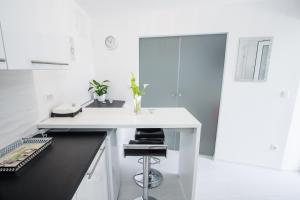 Luxury Studio Apartment White Sensation, Apartmanok  Vodice - big - 33