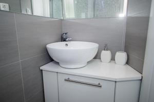 Luxury Studio Apartment White Sensation, Apartmanok  Vodice - big - 43