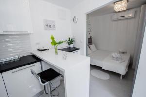 Luxury Studio Apartment White Sensation, Apartmanok  Vodice - big - 48