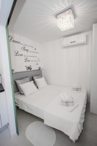 Luxury Studio Apartment White Sensation, Apartmanok  Vodice - big - 1