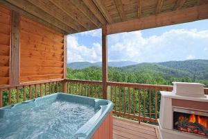 Whispering Creek Holiday home, Holiday homes  Gatlinburg - big - 2