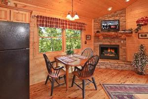 Whispering Creek Holiday home, Holiday homes  Gatlinburg - big - 6