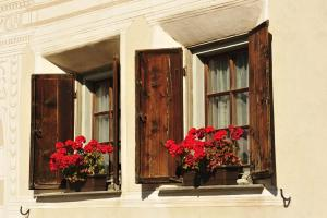 Chesa Staila Hotel - B&B, Bed and Breakfasts  La Punt-Chamues-ch - big - 89