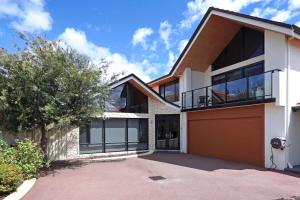 Swanriver Applecross Shortstays