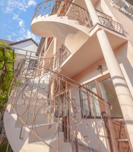 Гостевой дом Виноградная лестница, Геленджик