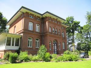 obrázek - Haus im Park