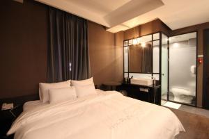 Jinhae Pasta Hotel, Motels  Changwon - big - 9
