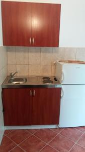 Apartments Milan, Vendégházak  Herceg Novi - big - 43