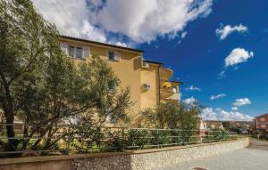 Apartment Ivona 2435