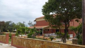 Foteinos Apartments