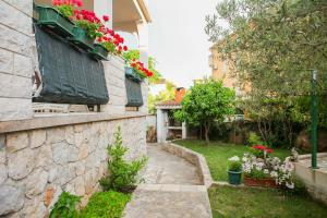 Apartments Anja, Apartments  Vodice - big - 41