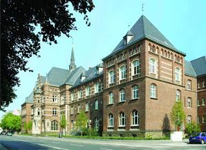 列诺努集团酒店 (Collegium Leoninum)