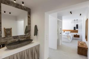 Mykonos Panormos Villas & Suites, Ville  Panormos Mykonos - big - 73