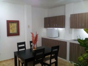 Apartamento Edificio Familia Klein, Apartmanok  Guayaquil - big - 16