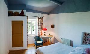 B&B La Bastide Desmagnans, Bed & Breakfast  Lacoste - big - 19