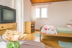 Apartments Pahljina 2885, Ferienwohnungen  Rab - big - 8
