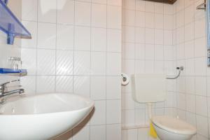 Apartments Pahljina 2885, Ferienwohnungen  Rab - big - 19