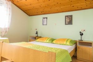 Apartments Pahljina 2885, Ferienwohnungen  Rab - big - 17