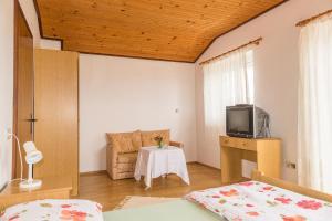 Apartments Pahljina 2885, Ferienwohnungen  Rab - big - 12
