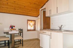 Apartments Pahljina 2885, Ferienwohnungen  Rab - big - 11