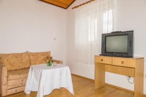Apartments Pahljina 2885, Ferienwohnungen  Rab - big - 2