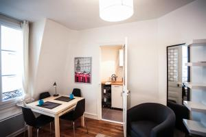 One-Bedroom Apartment Rue Paul Crampel