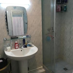 Saryan Street and Mashtots blvd area, Apartmány  Yerevan - big - 8