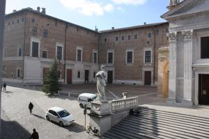 Il Cortegiano, Bed & Breakfast  Urbino - big - 9