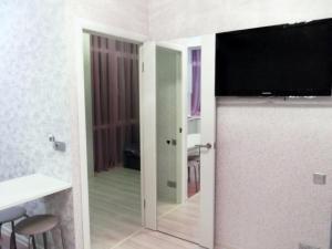 Uyutnaya kvartira s evroremontom, Apartments  Sochi - big - 17