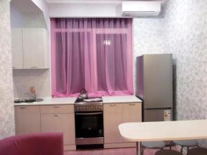 Uyutnaya kvartira s evroremontom, Apartments  Sochi - big - 10