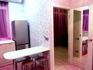 Uyutnaya kvartira s evroremontom, Apartments  Sochi - big - 8