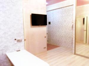 Uyutnaya kvartira s evroremontom, Apartments  Sochi - big - 5
