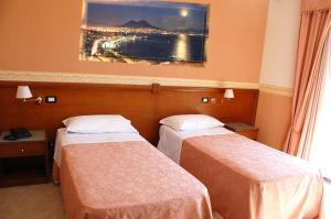 Hotel Ristorante Donato, Hotely  Calvizzano - big - 34