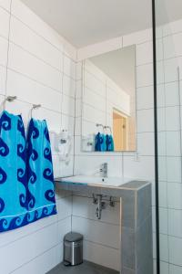 Bubali Luxury Apartments - Adults Only - Wheelchair Friendly, Apartmány  Palm-Eagle Beach - big - 26