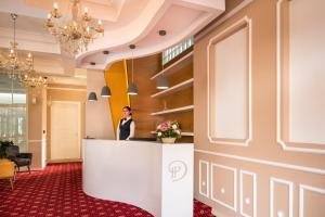 Dilo Hotel, Hotely  Tirana - big - 23