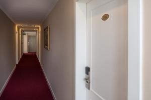 Dilo Hotel, Hotely  Tirana - big - 38