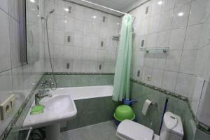 Apartment on Divnomorskaya, 16, Apartmány  Gelendzhik - big - 8