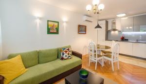 Apartment Simeroni Split