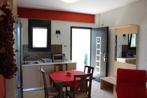Housing Pefkos, Apartmanok  Néa Fókea - big - 40