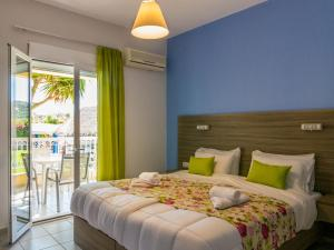 Evelin Hotel, Aparthotely  Platanes - big - 24