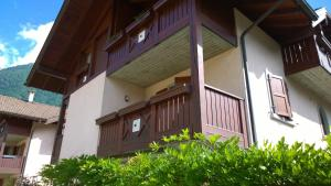 Appartamento Felce, Apartments  Pinzolo - big - 5